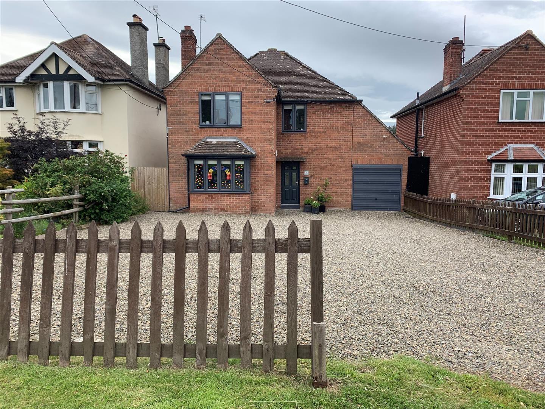 5 bed detached for sale in Leominster - Property Image 1