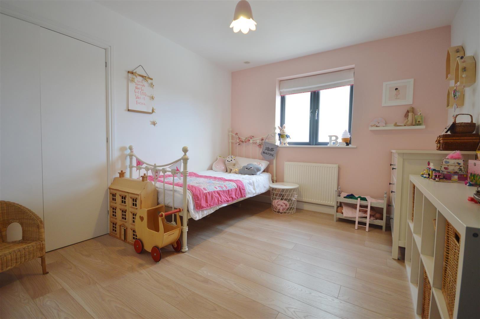 5 bed detached for sale in Leominster 12