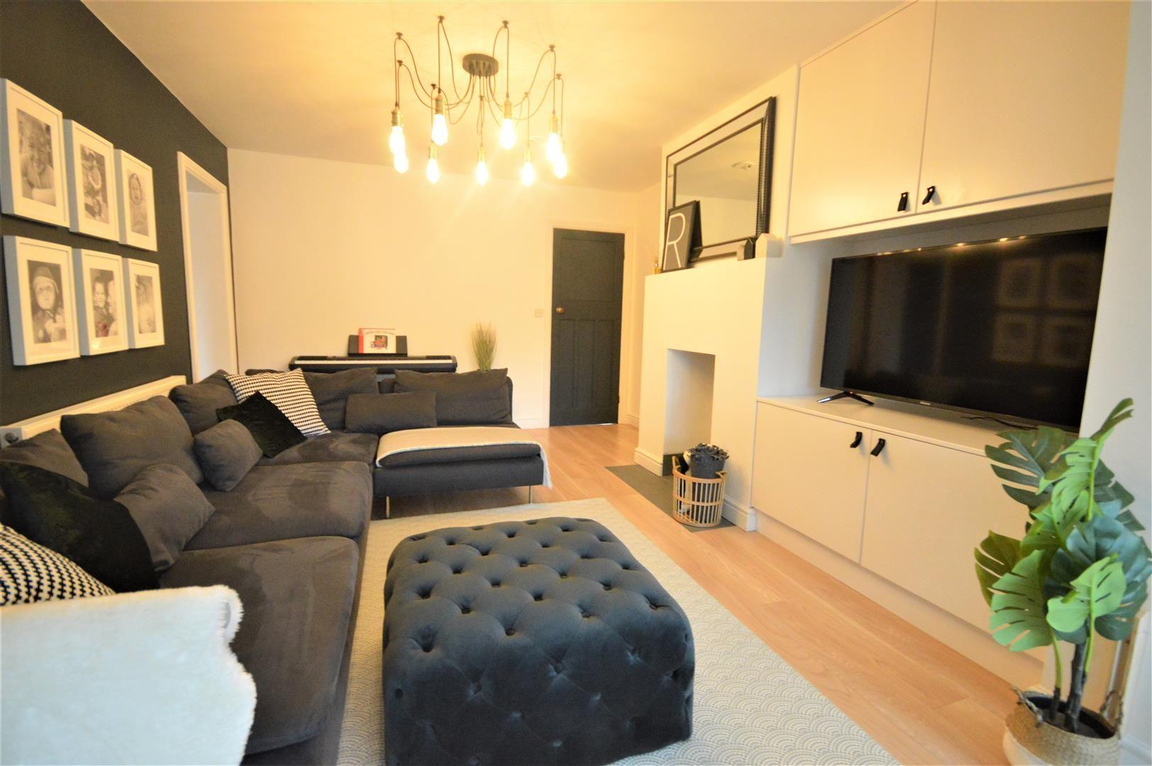 5 bed detached for sale in Leominster 6