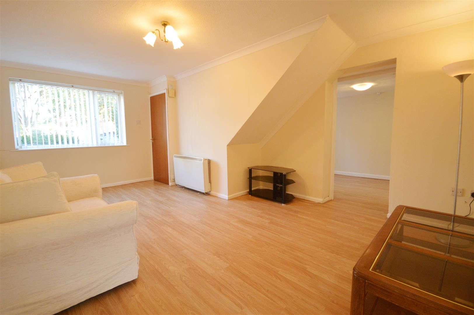 3 bed semi-detached to rent in Leominster 2