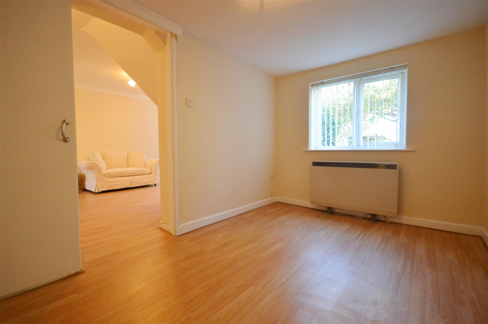 3 bed semi-detached to rent in Leominster 5