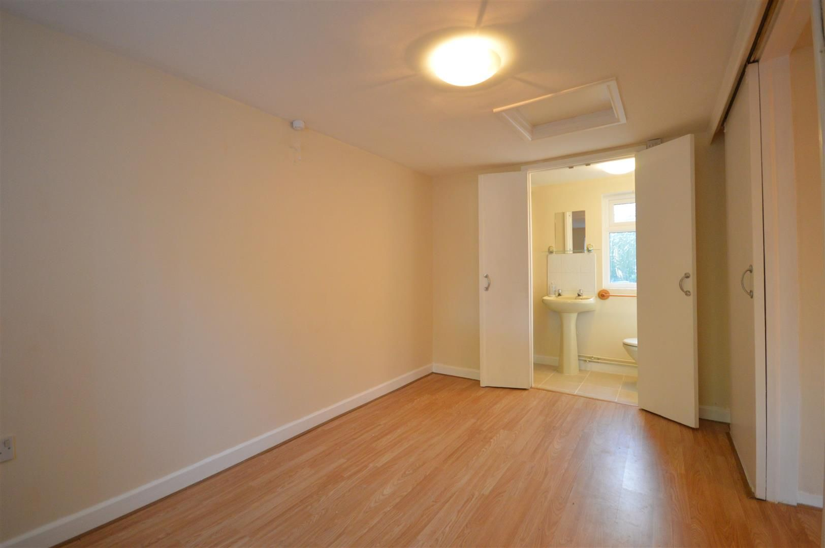 3 bed semi-detached to rent in Leominster  - Property Image 6