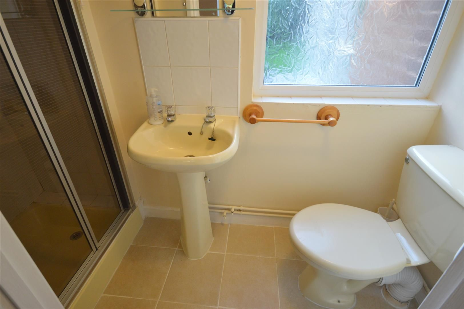 3 bed semi-detached to rent in Leominster 7