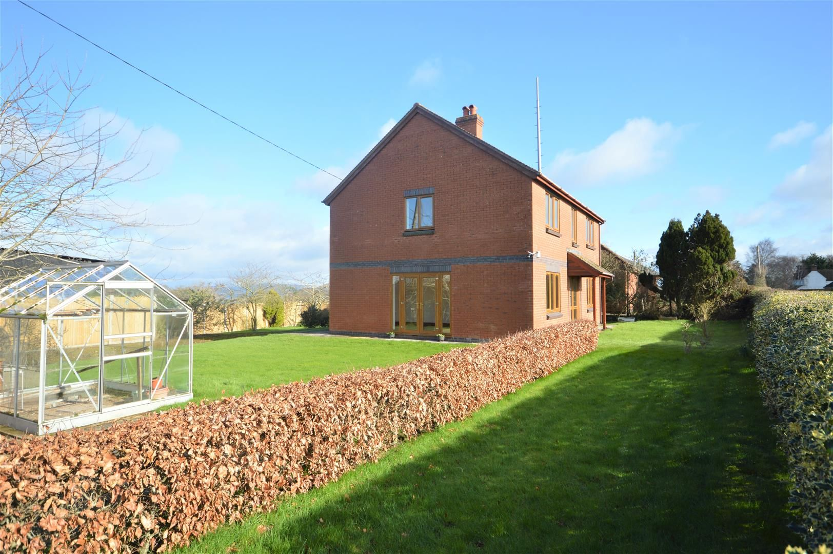 4 bed detached for sale in Leysters, HR6