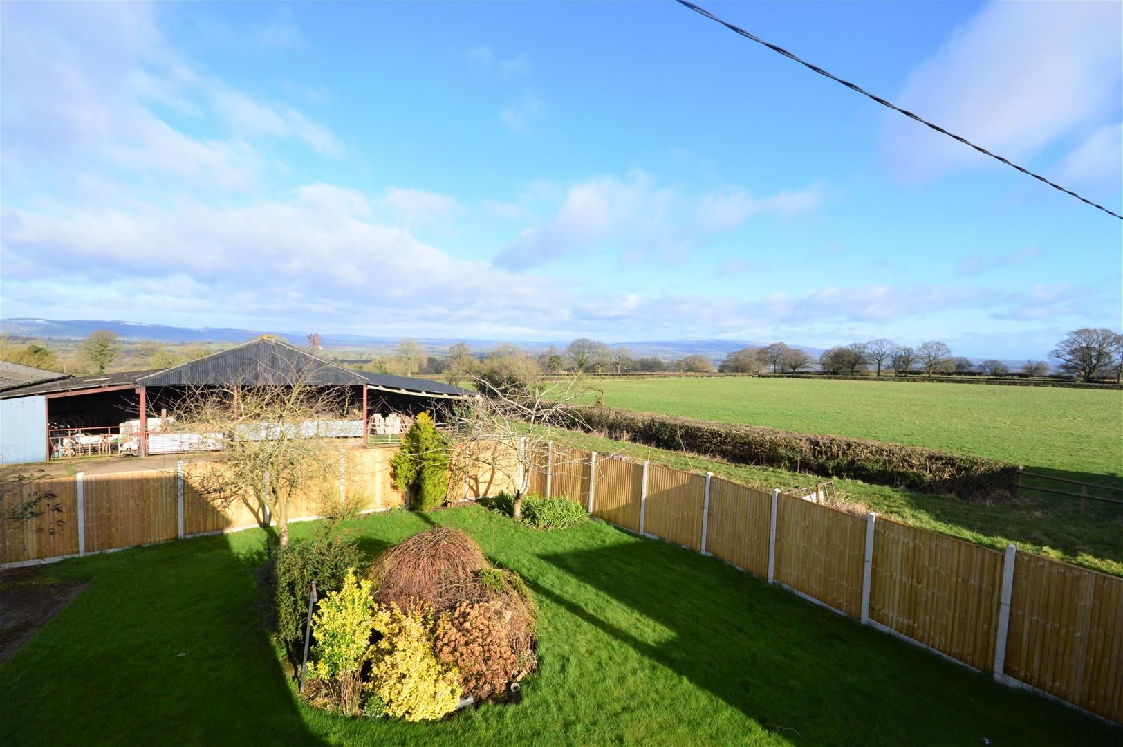 4 bed detached for sale in Leysters 17
