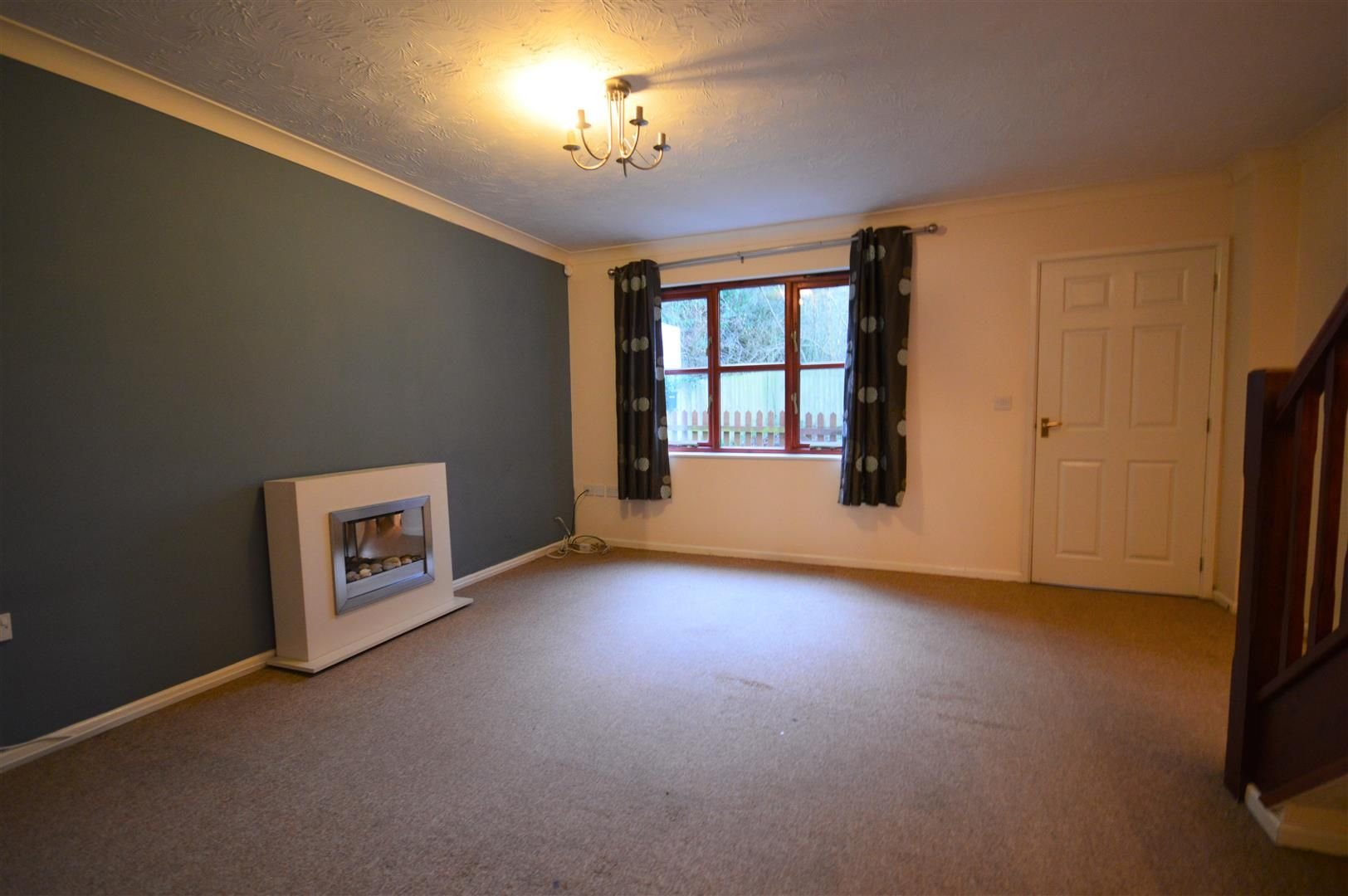 2 bed end-of-terrace to rent in Wigmore 2