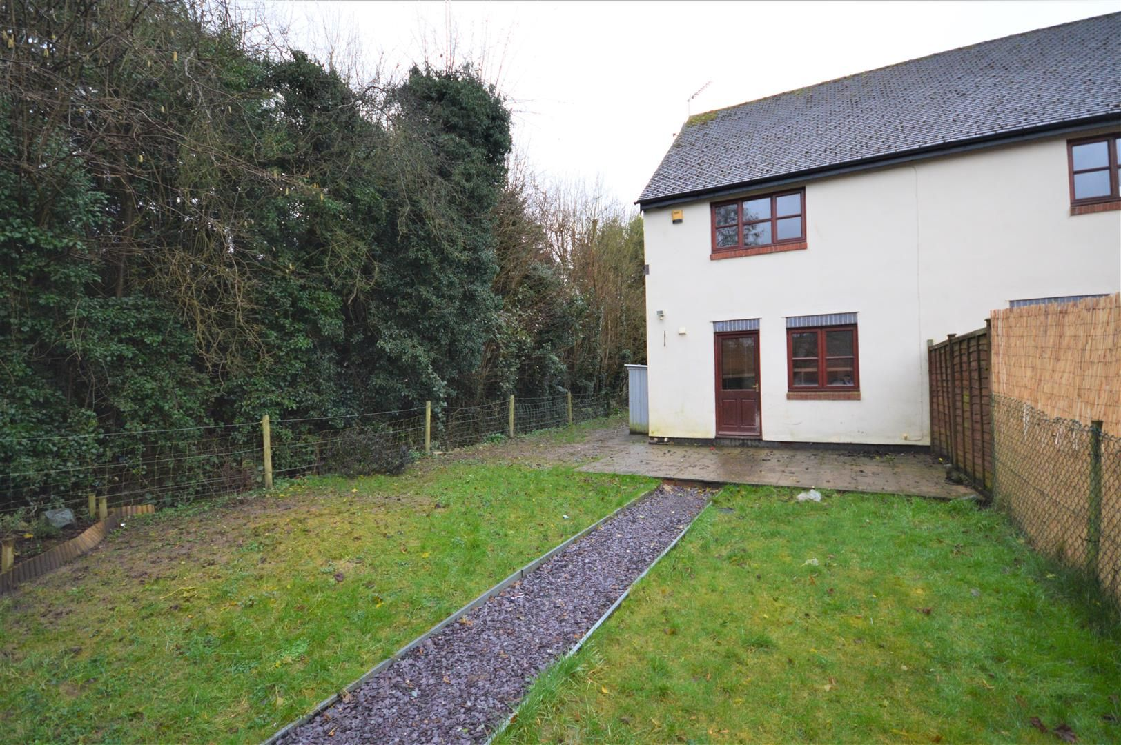 2 bed end-of-terrace to rent in Wigmore 4