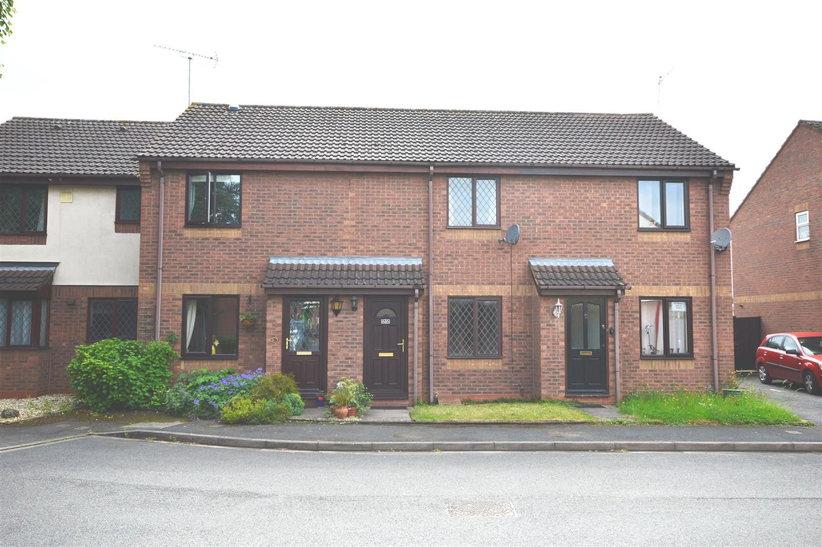 2 bed terraced to rent 1