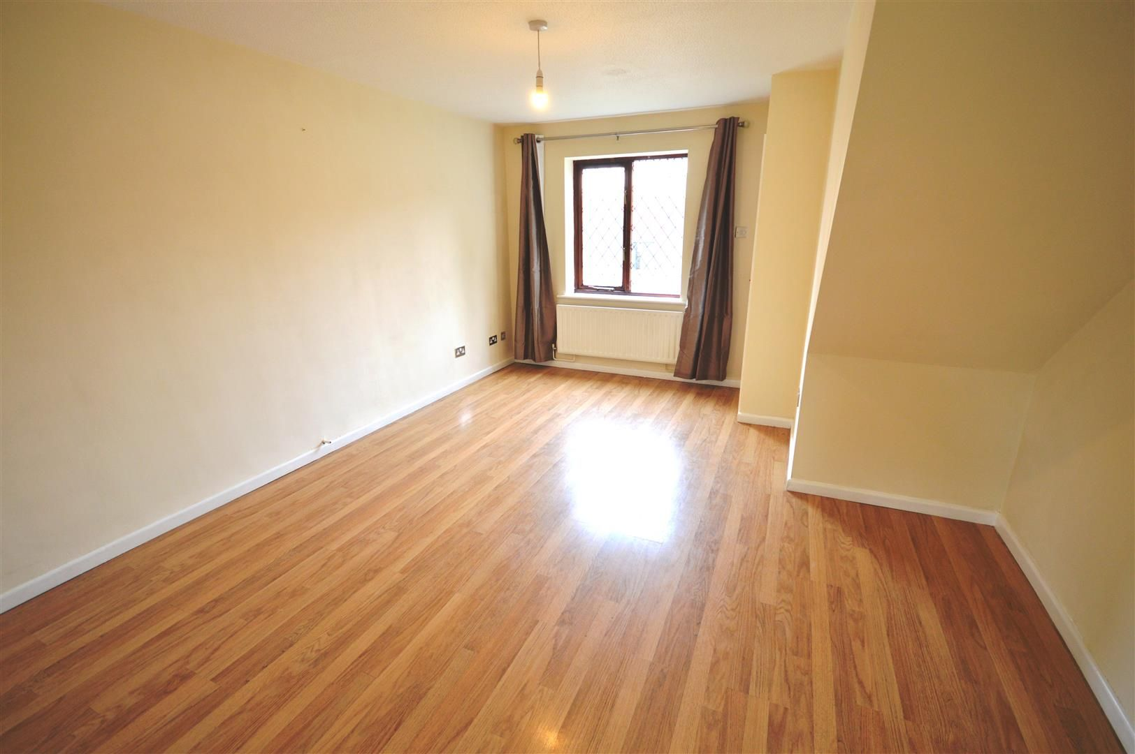 2 bed terraced to rent 2