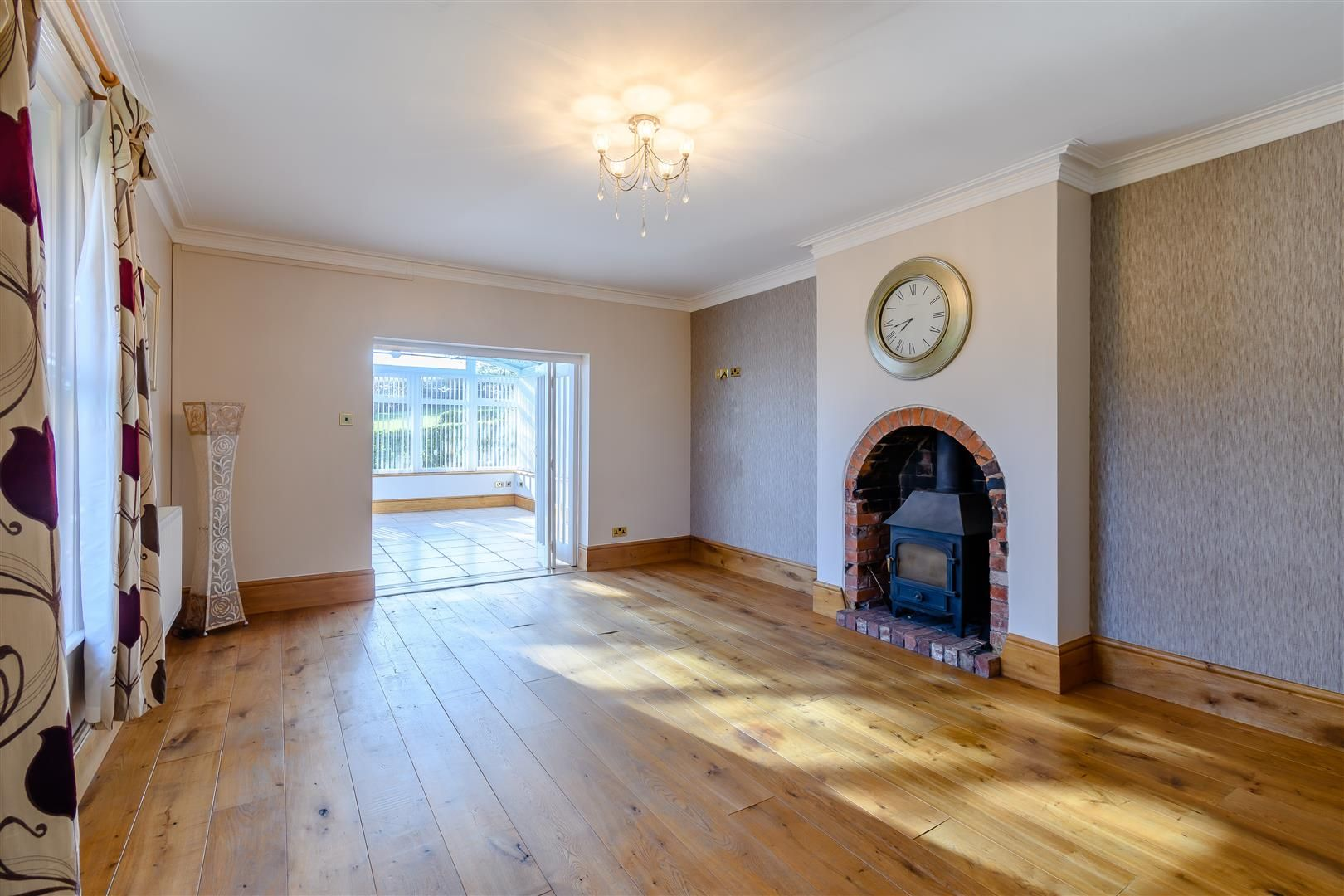 5 bed detached for sale in Burghill 13