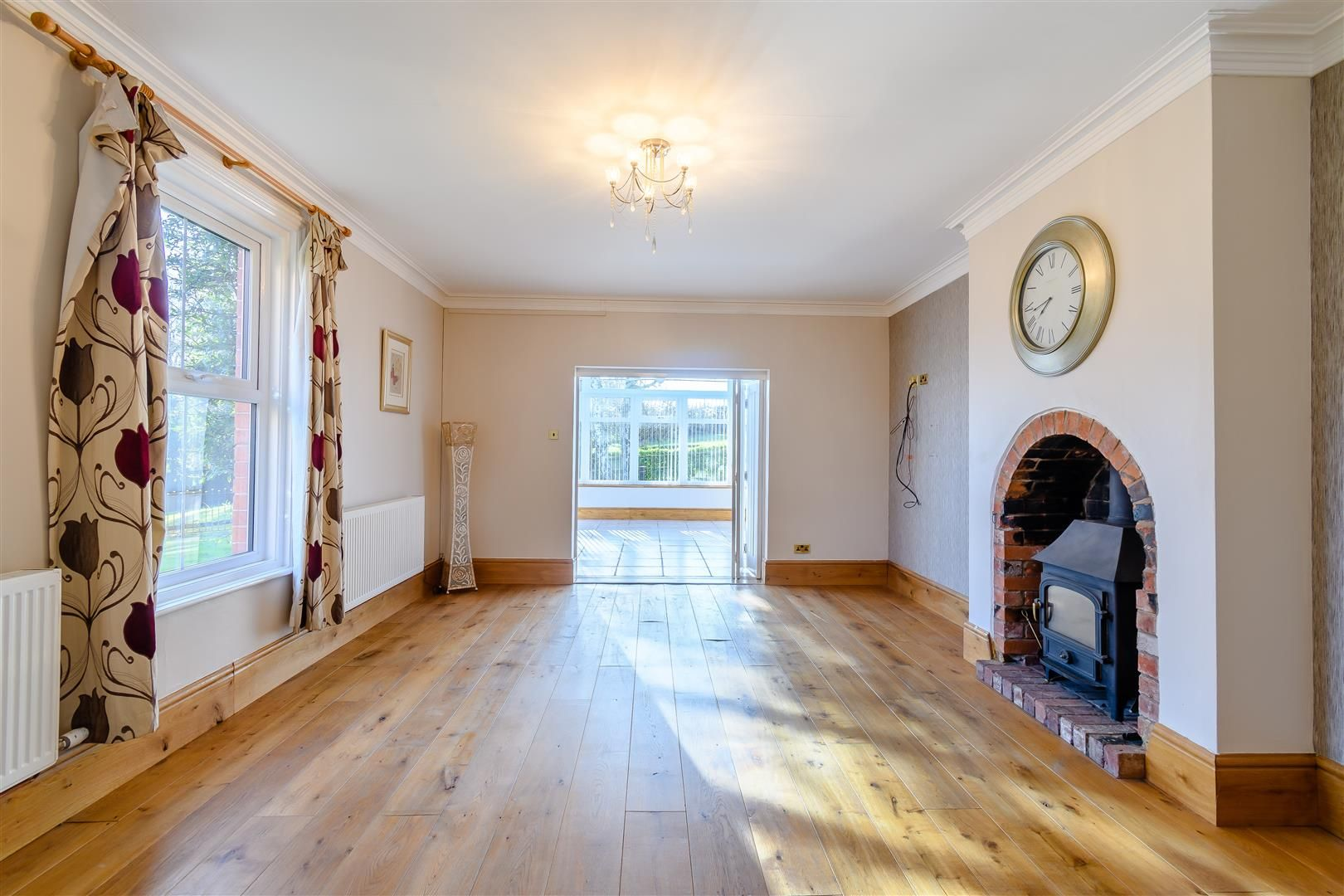 5 bed detached for sale in Burghill 16