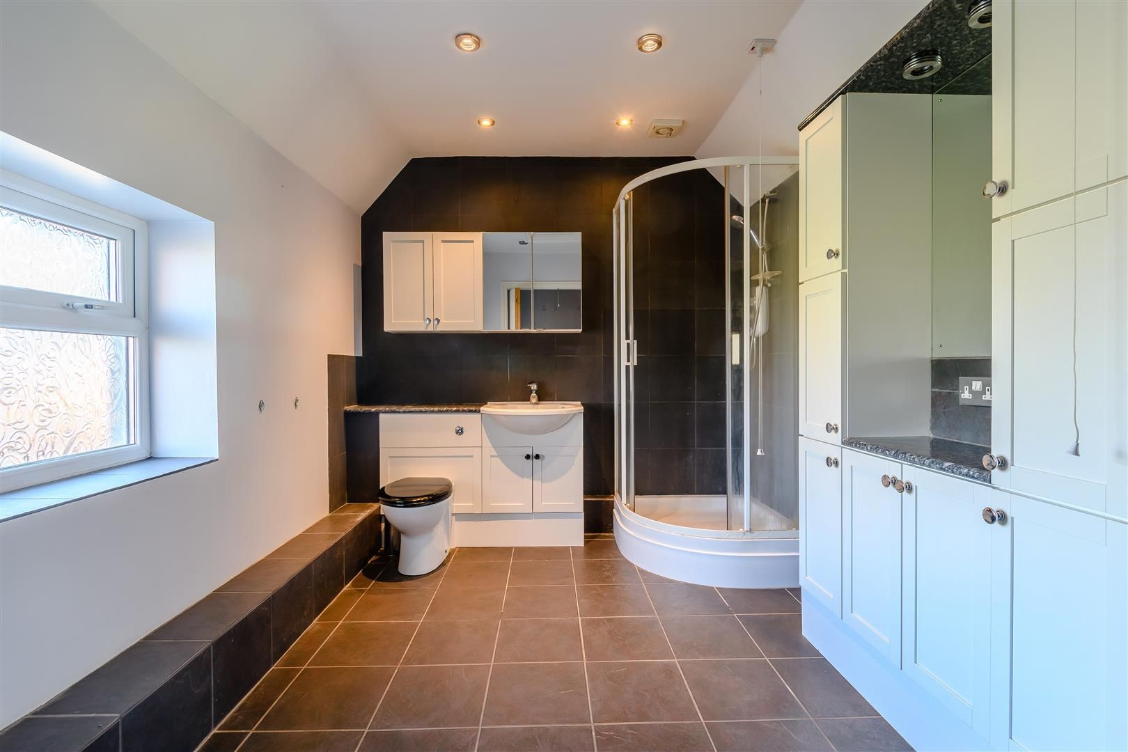 5 bed detached for sale in Burghill 19