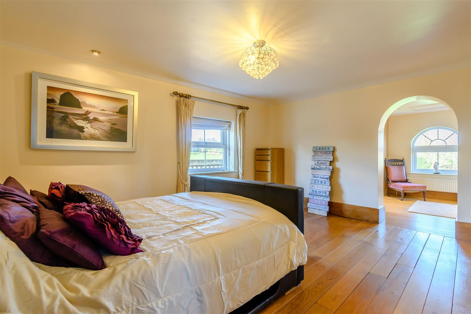 5 bed detached for sale in Burghill 20