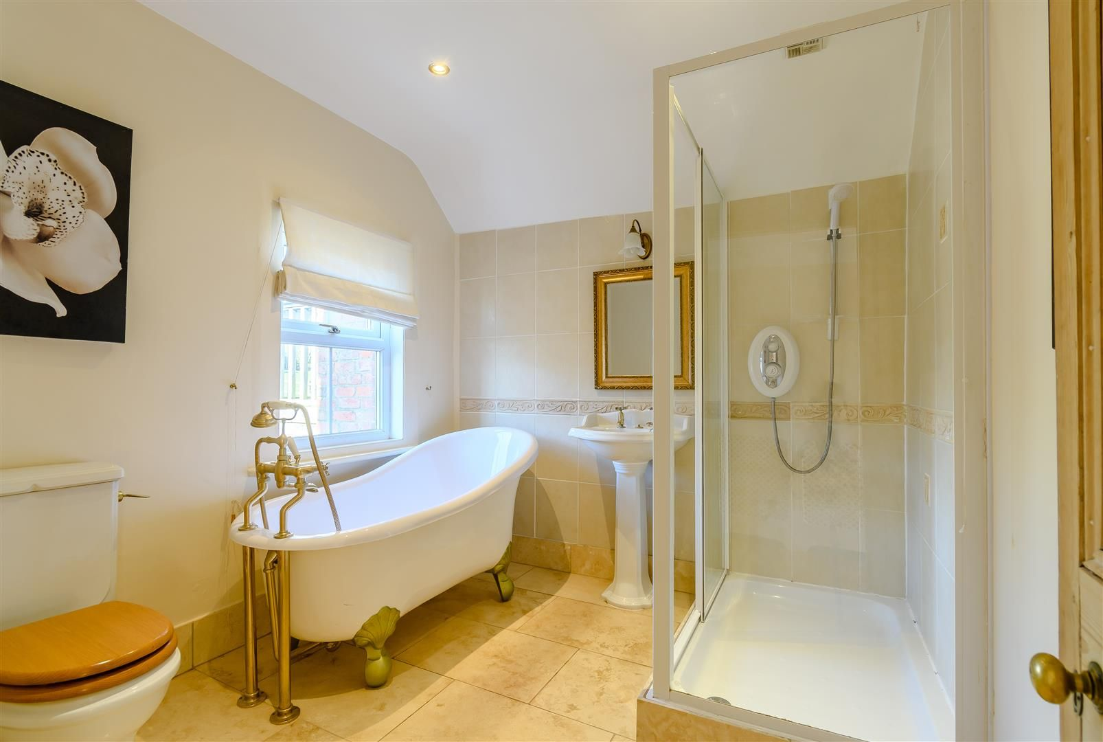 5 bed detached for sale in Burghill 23