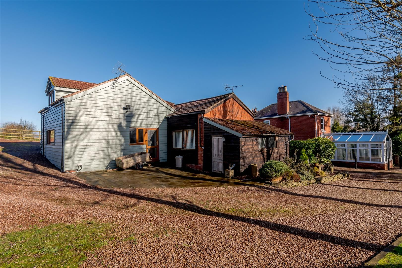 5 bed detached for sale in Burghill 4