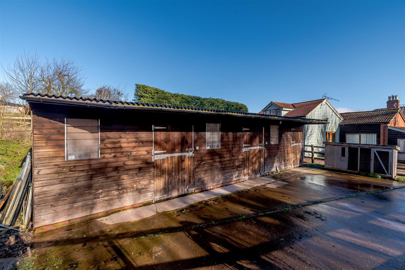 5 bed detached for sale in Burghill 32