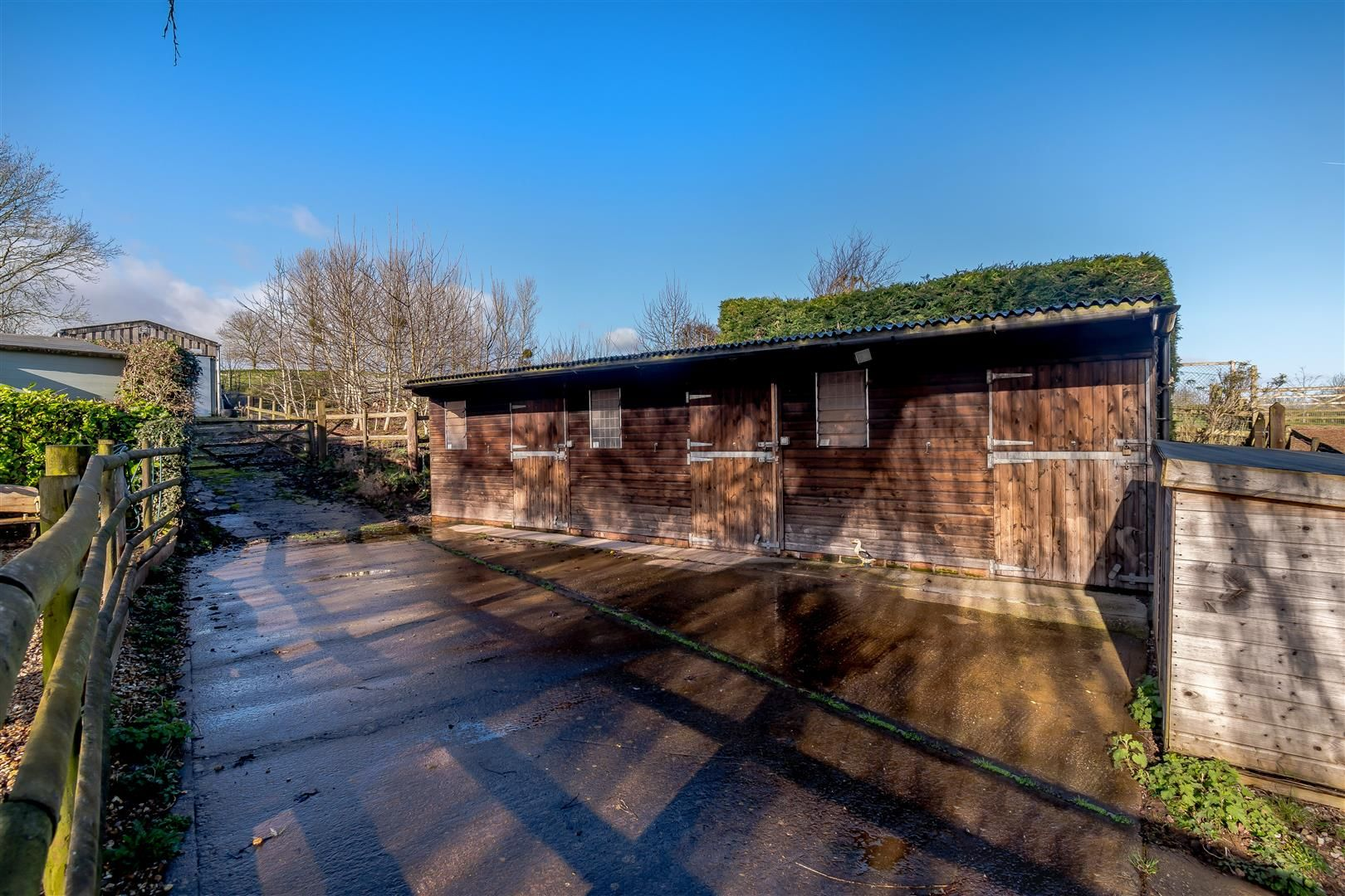 5 bed detached for sale in Burghill 34