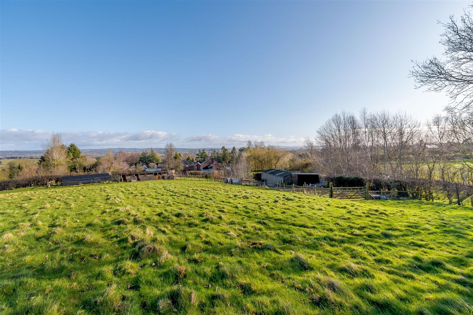 5 bed detached for sale in Burghill 36