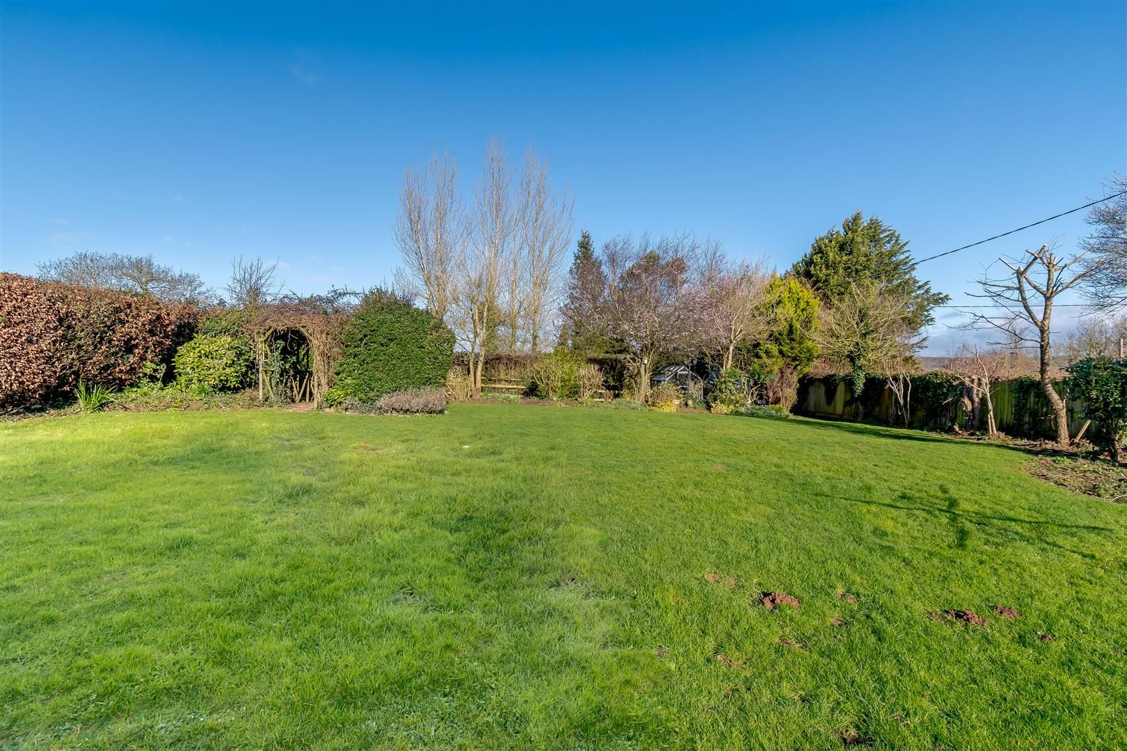 5 bed detached for sale in Burghill 38