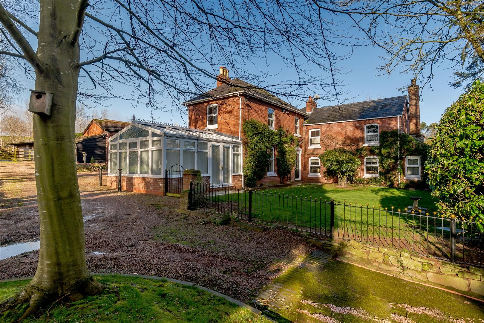 5 bed detached for sale in Burghill  - Property Image 39