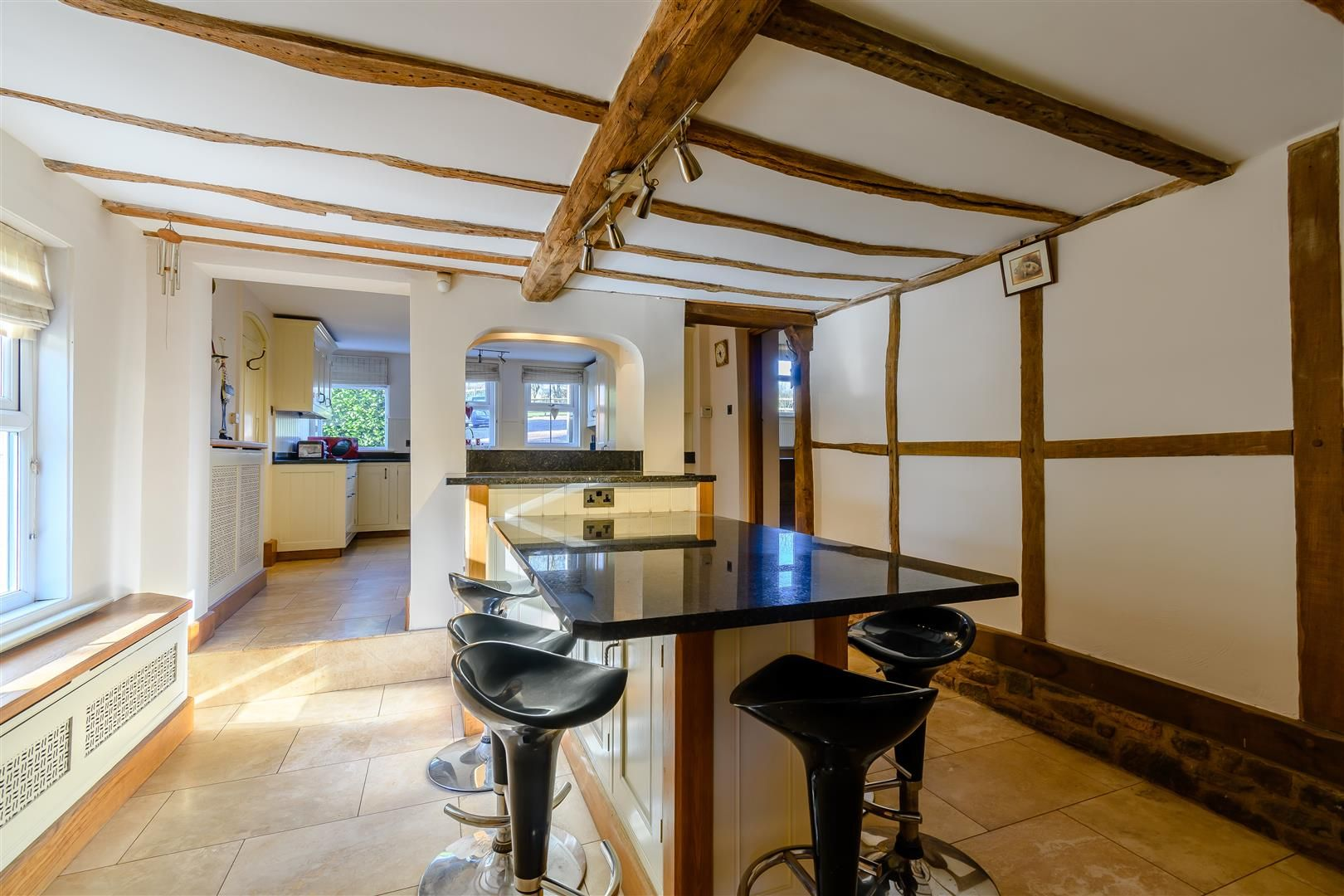 5 bed detached for sale in Burghill 6