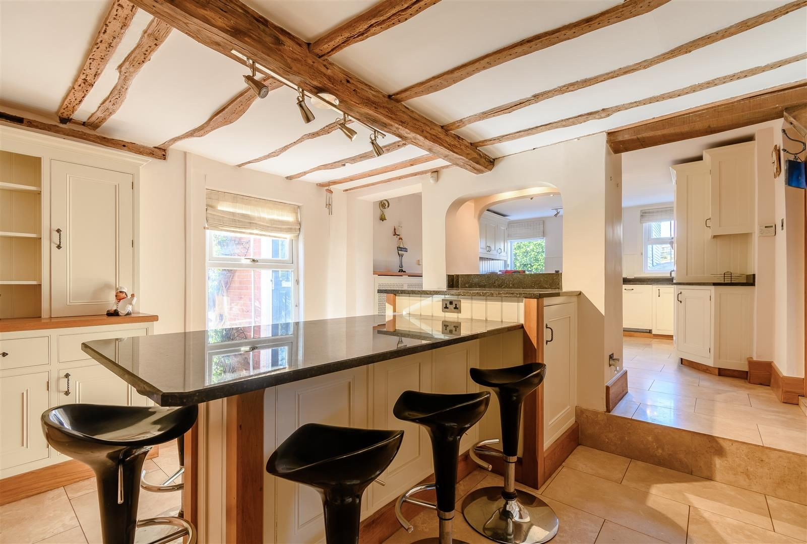 5 bed detached for sale in Burghill 9