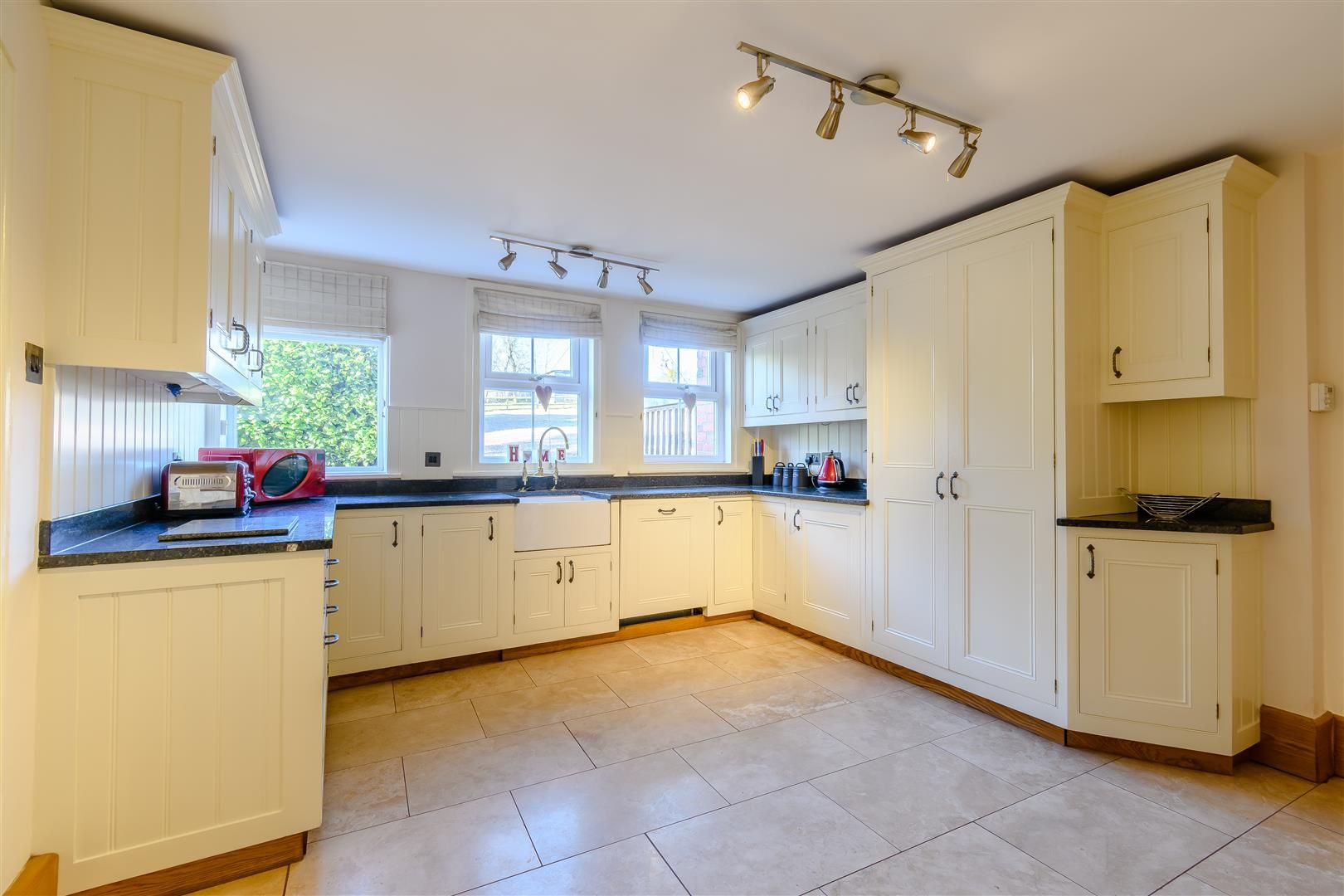 5 bed detached for sale in Burghill 10