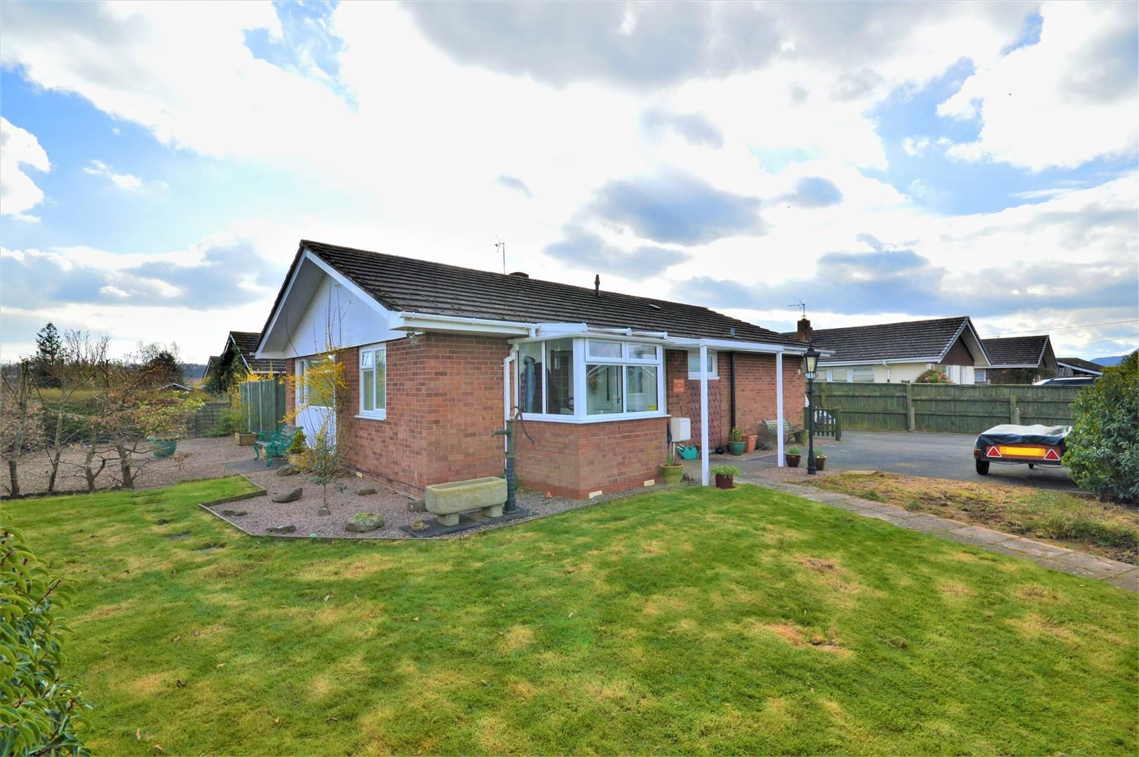 3 bed detached-bungalow for sale in Marden, HR1