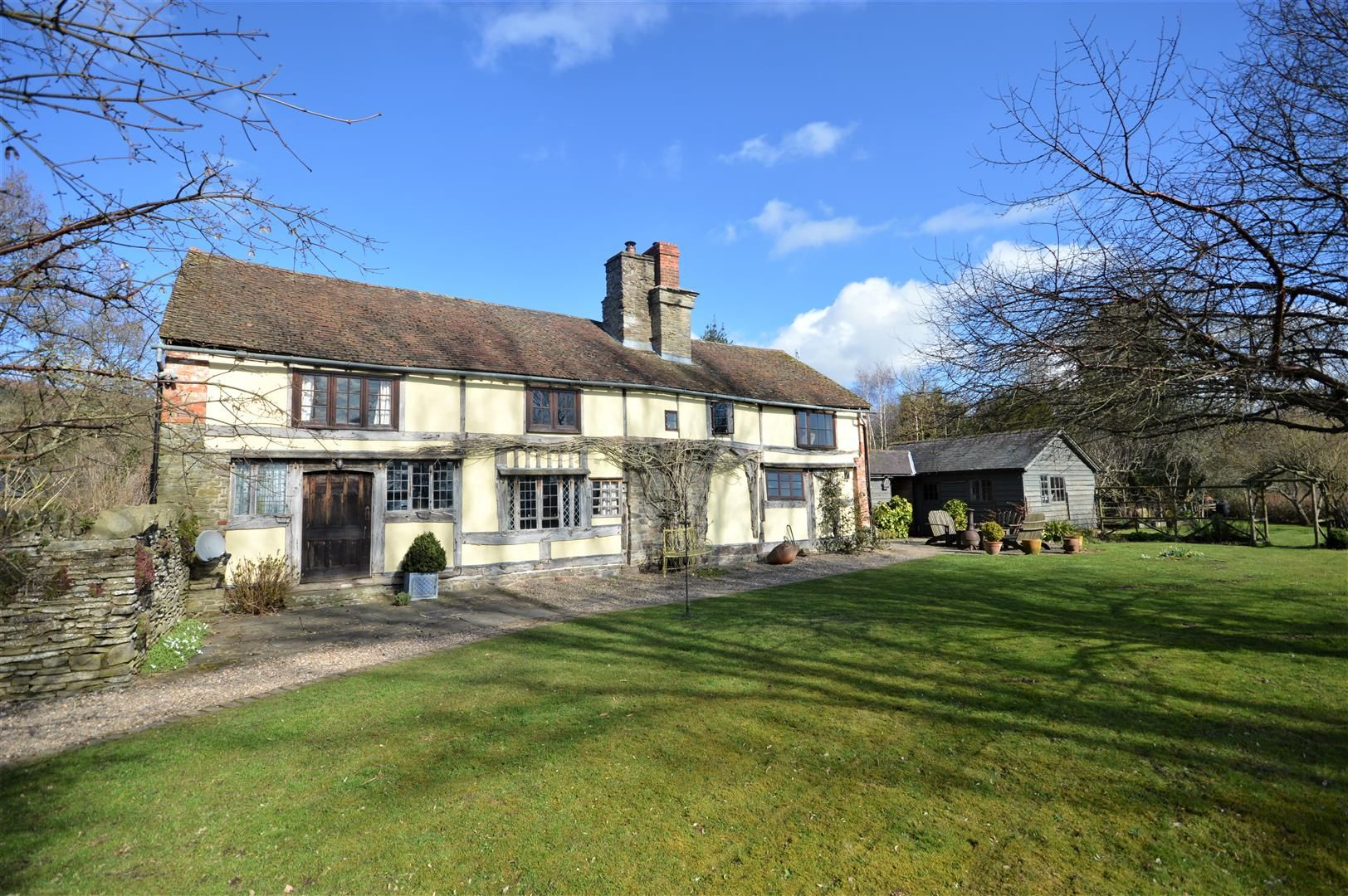 3 bed country house for sale in Stapleton 16