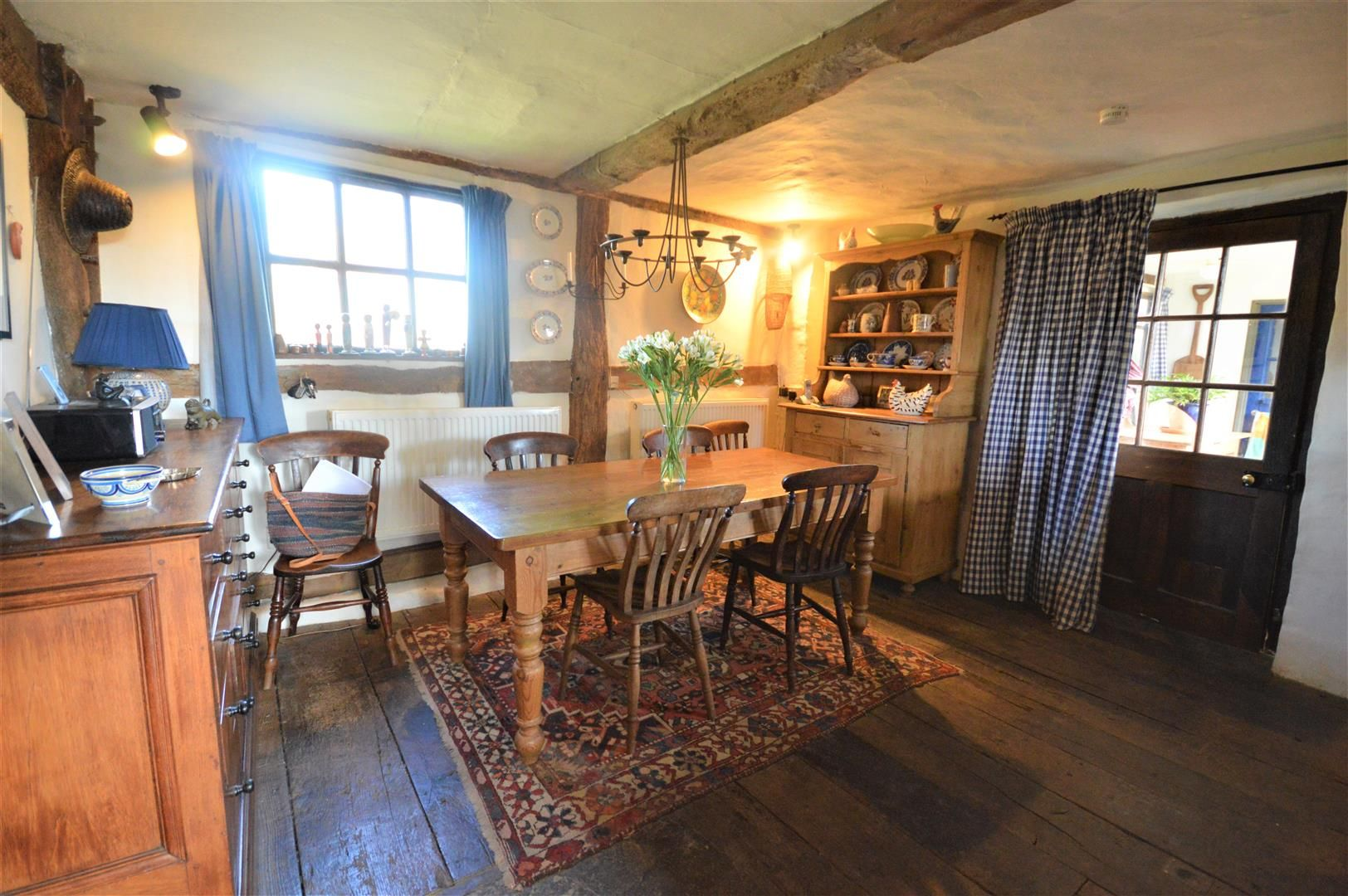 3 bed country house for sale in Stapleton 5