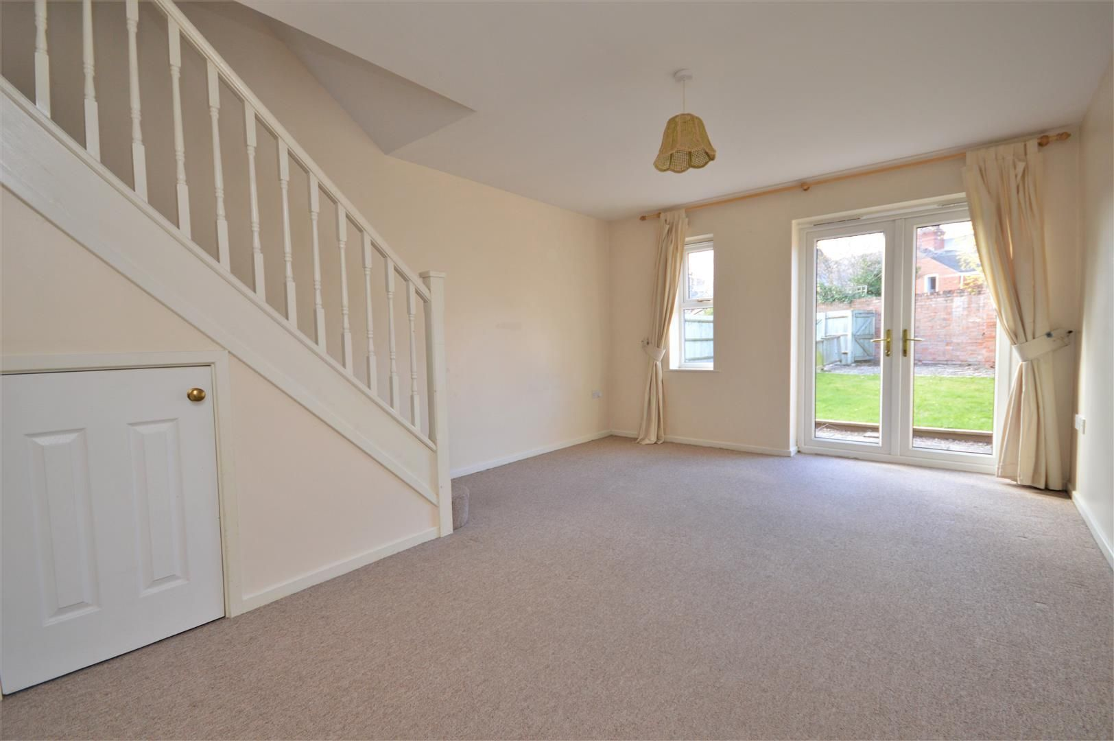 2 bed end-of-terrace for sale 3