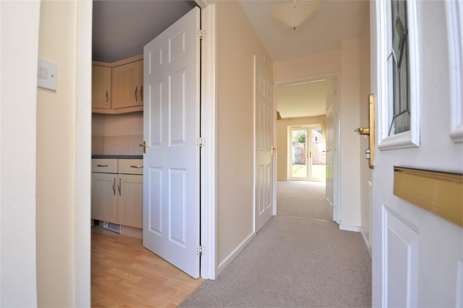 2 bed end-of-terrace for sale  - Property Image 6