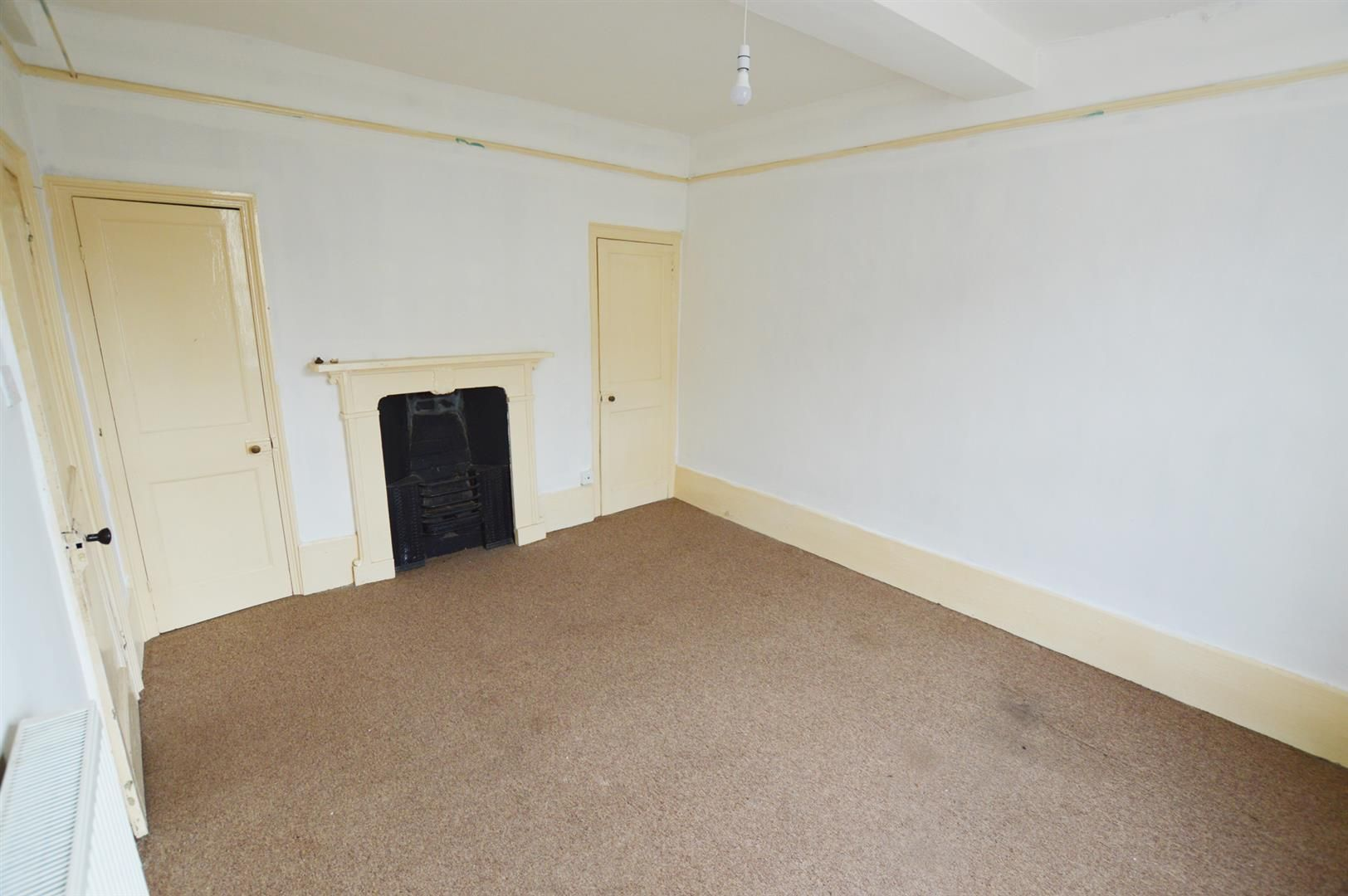 3 bed town-house for sale in Leominster 4