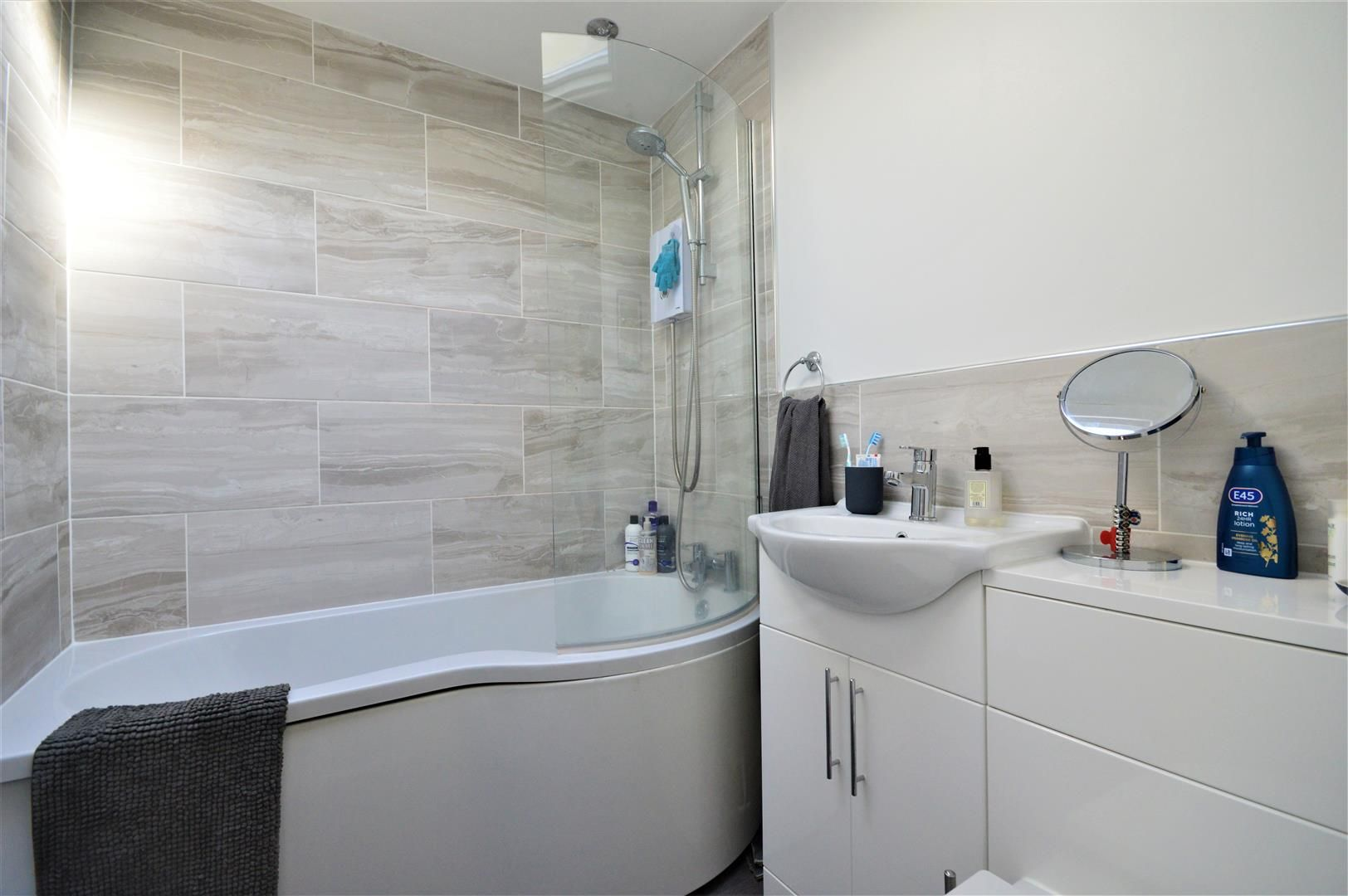 2 bed semi-detached-bungalow for sale in Marden 11