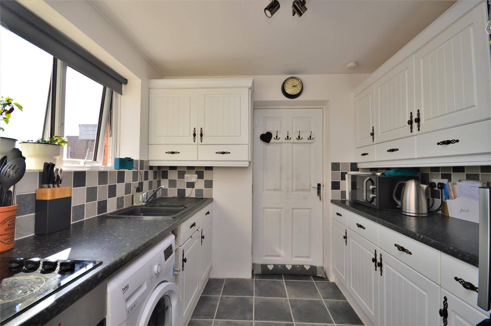 2 bed semi-detached-bungalow for sale in Marden 3