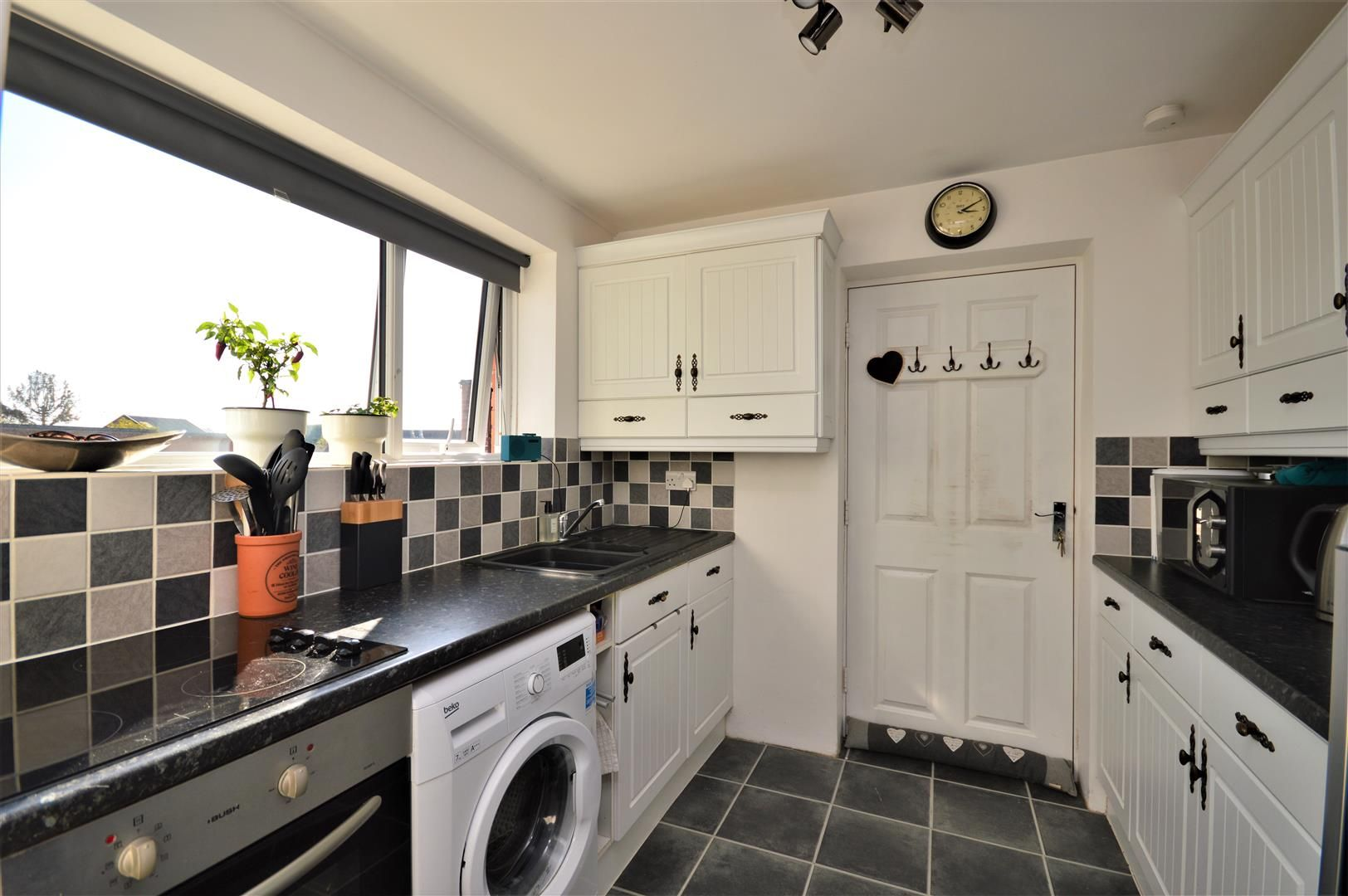 2 bed semi-detached-bungalow for sale in Marden 10