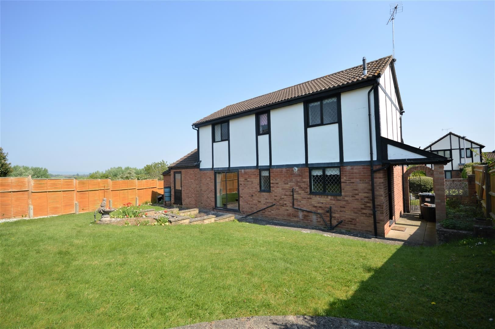 3 bed detached for sale in Leominster 11