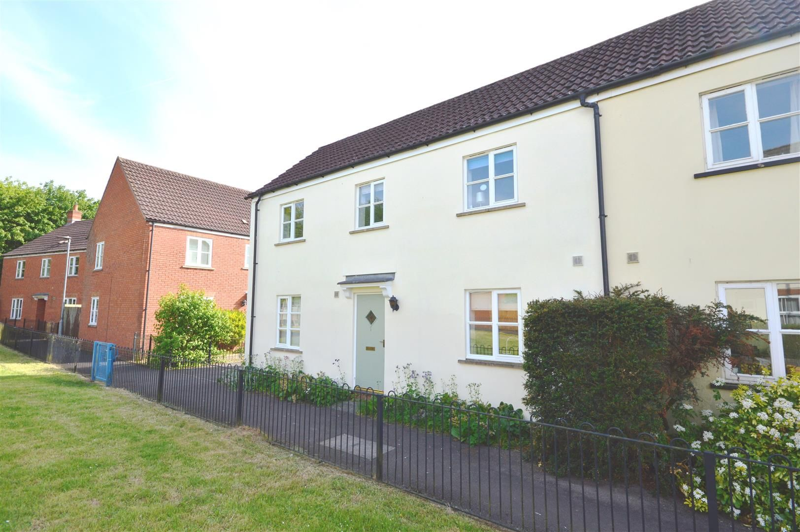 3 bed semi-detached to rent, HR8