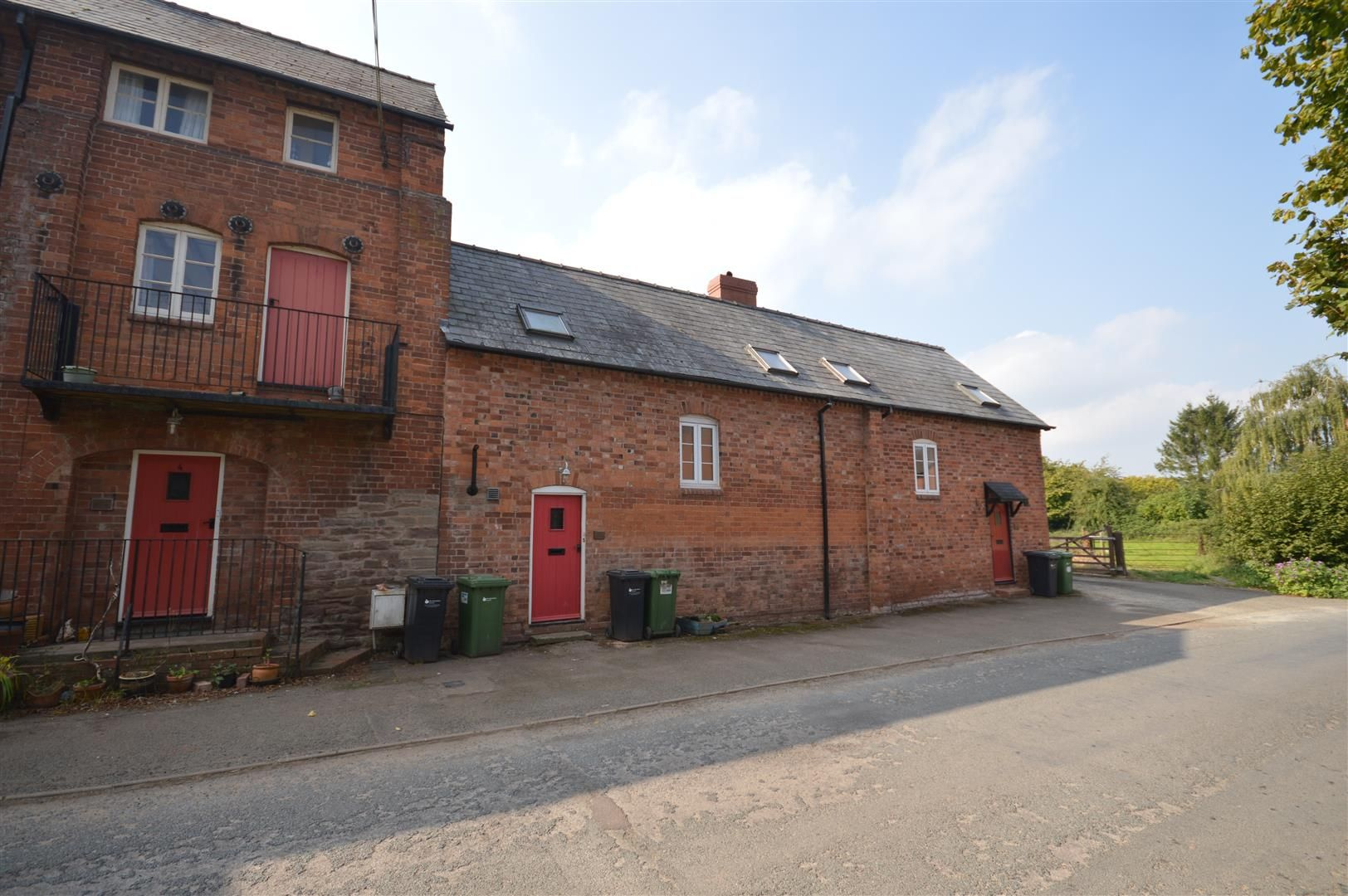 3 bed terraced for sale in Wellington  - Property Image 1