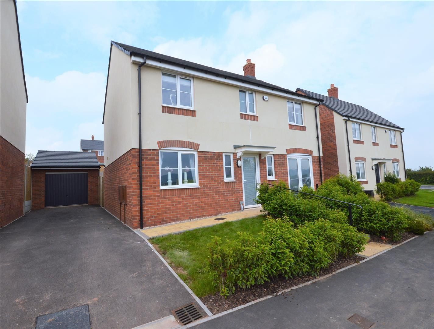 4 bed detached for sale in Bartestree 1