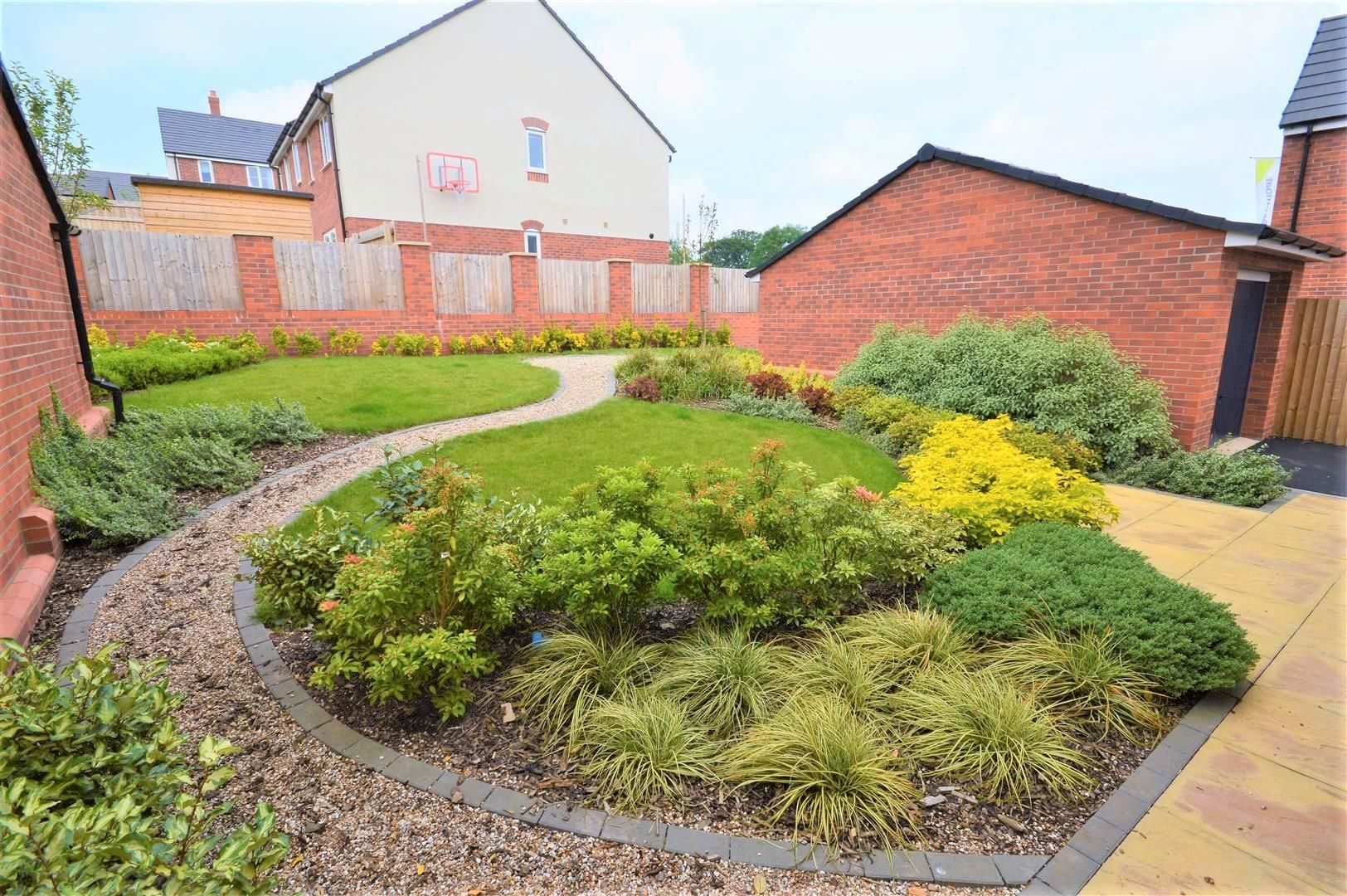4 bed detached for sale in Bartestree 5