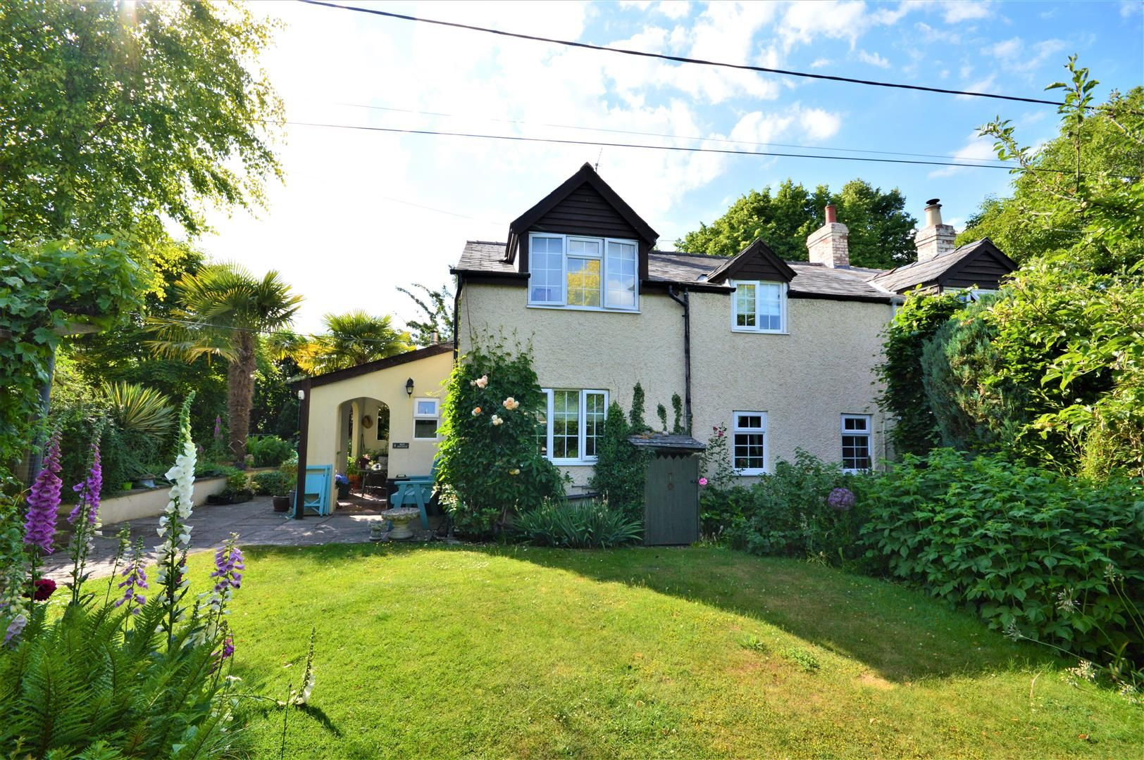 3 bed semi-detached for sale in Stretton Sugwas, HR4