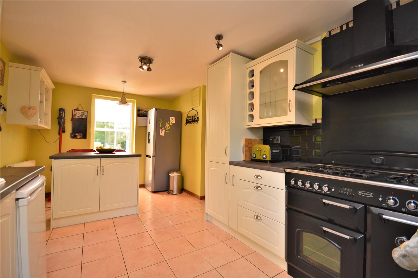3 bed semi-detached for sale in Stretton Sugwas 17