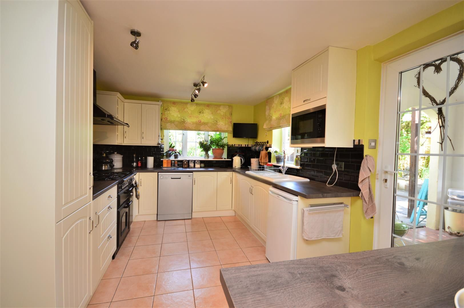 3 bed semi-detached for sale in Stretton Sugwas 7