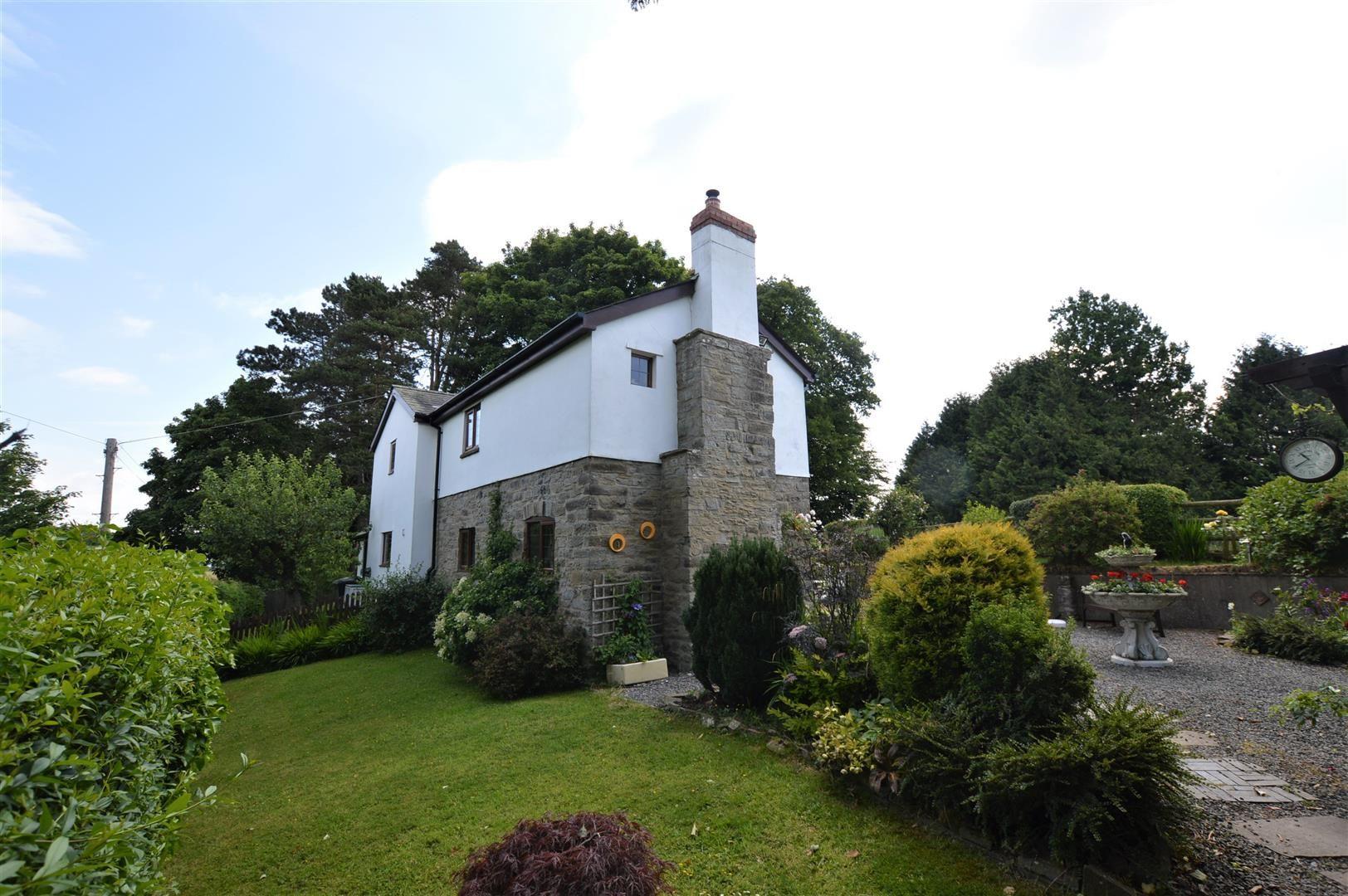 3 bed cottage for sale in Kington, HR5
