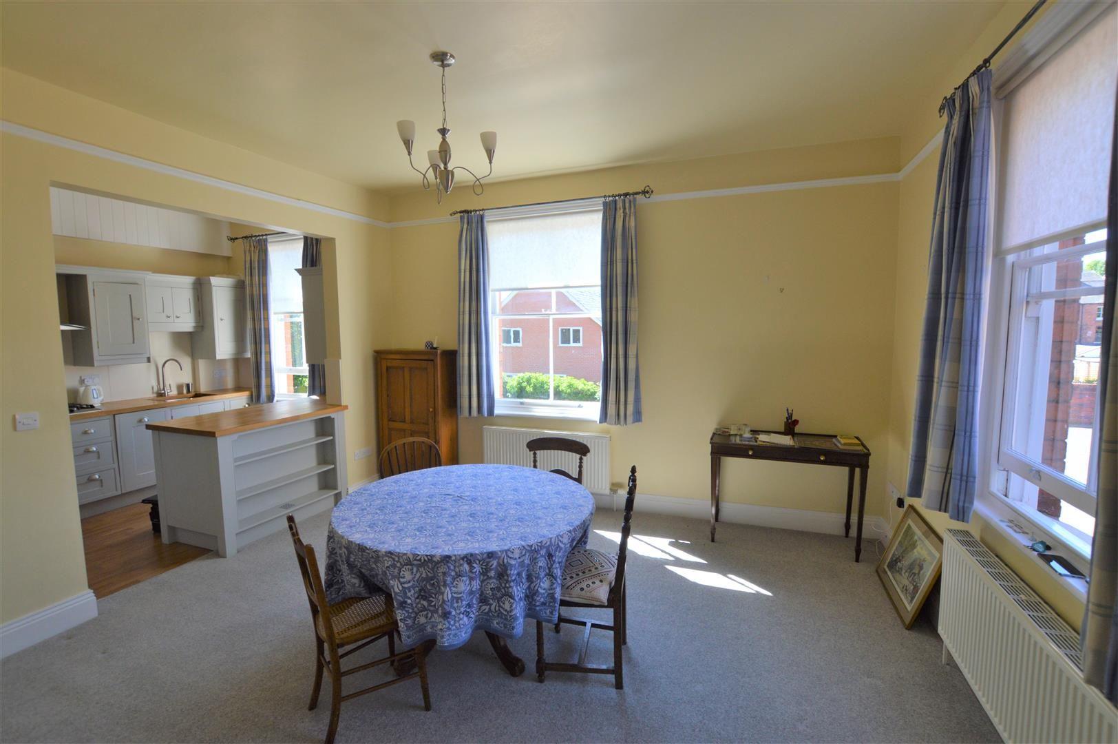 4 bed semi-detached for sale in Etnam Street, Leominster  - Property Image 3