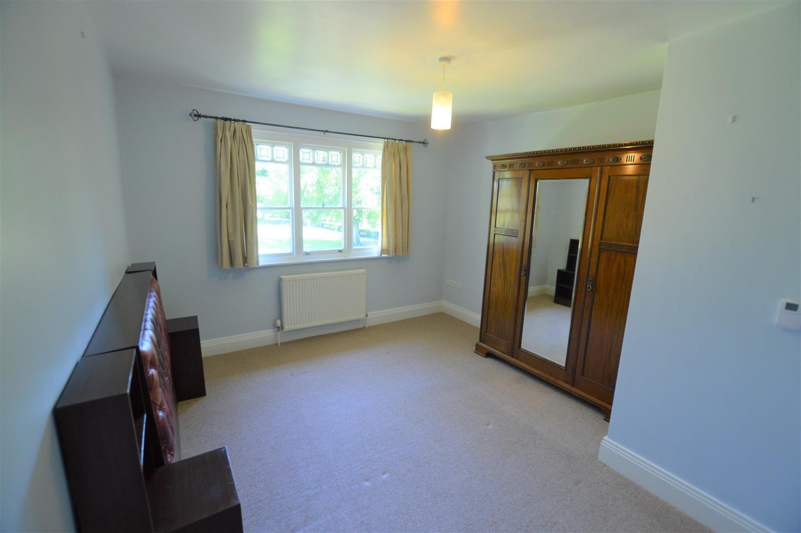 4 bed semi-detached for sale in Etnam Street, Leominster 7