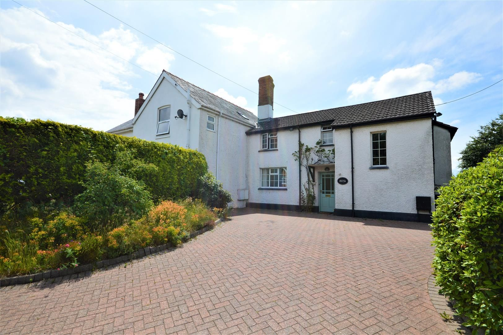 3 bed semi-detached for sale in Burghill, HR4