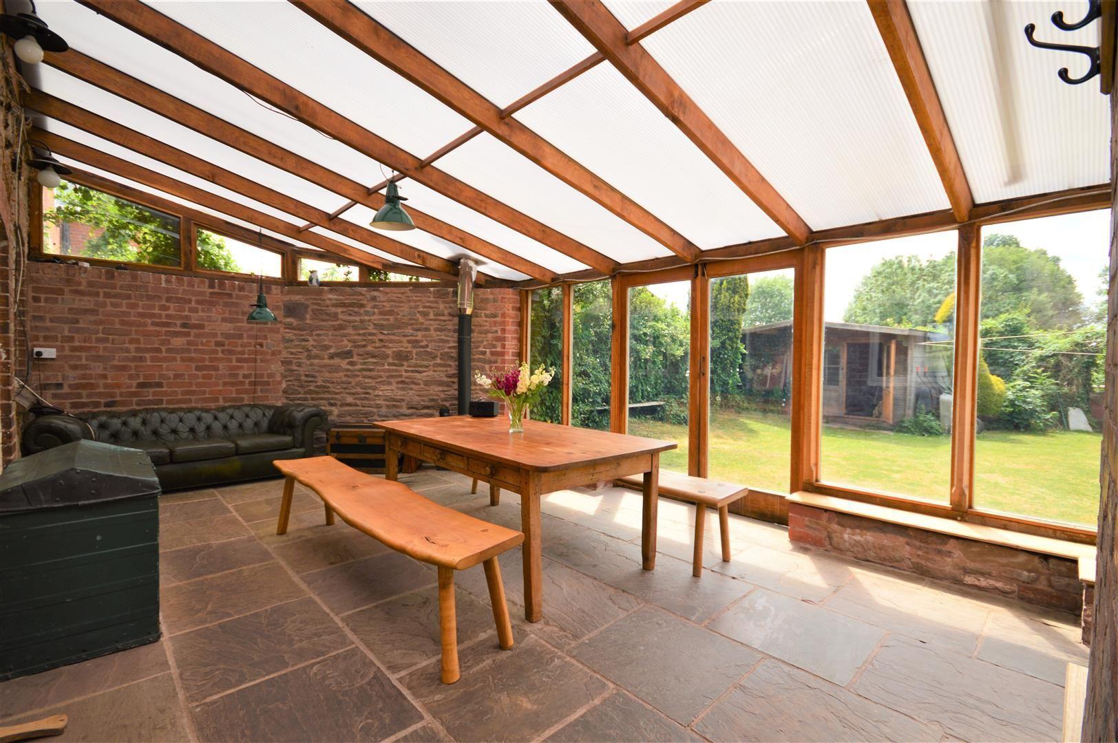 3 bed cottage for sale in Cross Keys  - Property Image 2