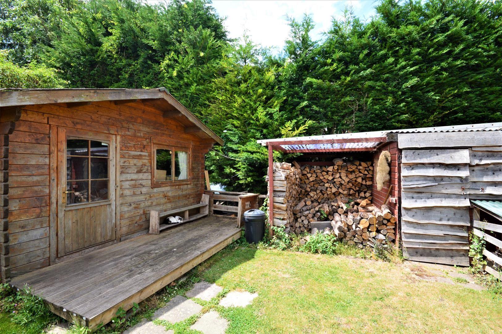 3 bed cottage for sale in Cross Keys  - Property Image 16